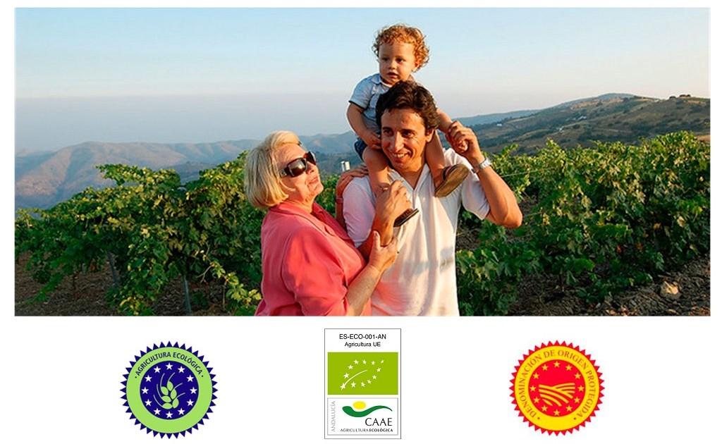 Familia Nestares Rincón en sus viñedos