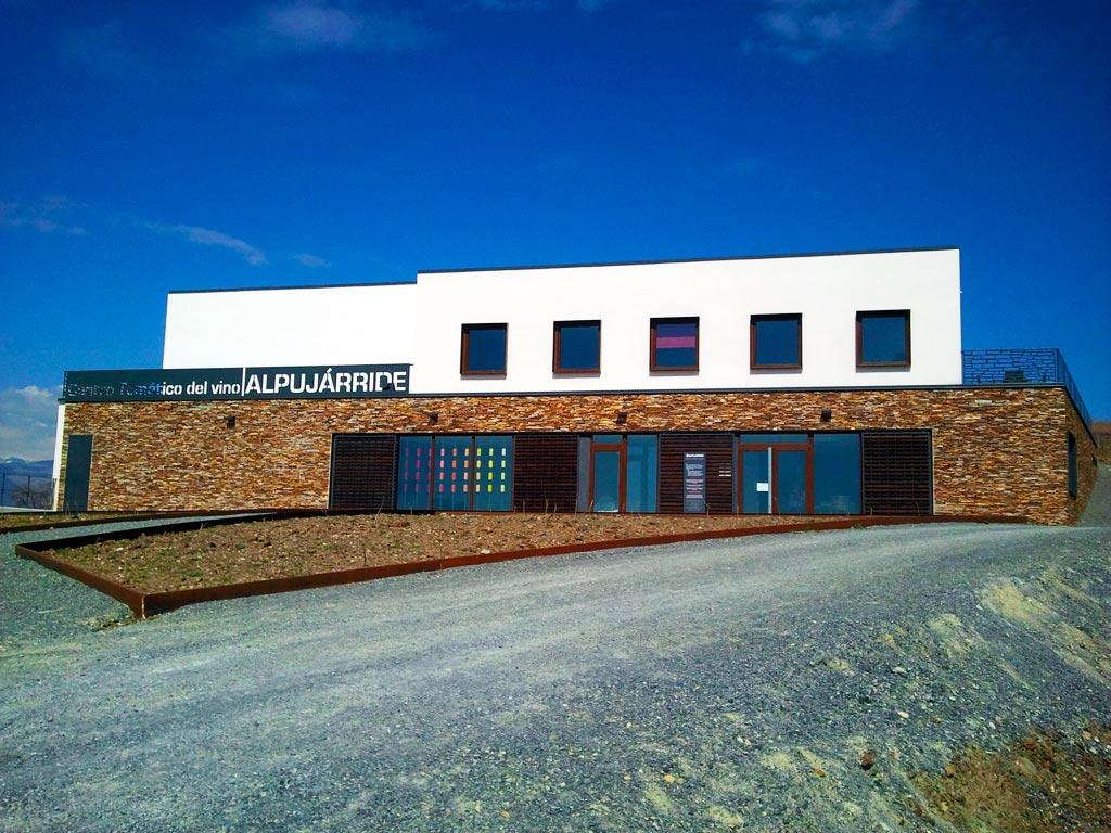 Alpujárride :: Edificio de las Bodegas y Centro Temático del Vino :: © Bodegas Nestares Rincón