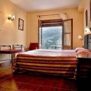 Habitación de Hotel :: Bodegas Nestares Rincón