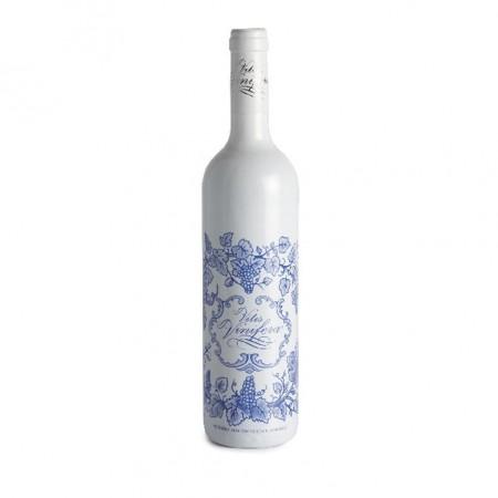 Botella IN 3.0 Vitis Vinifera :: © Bodegas Nestares Rincón